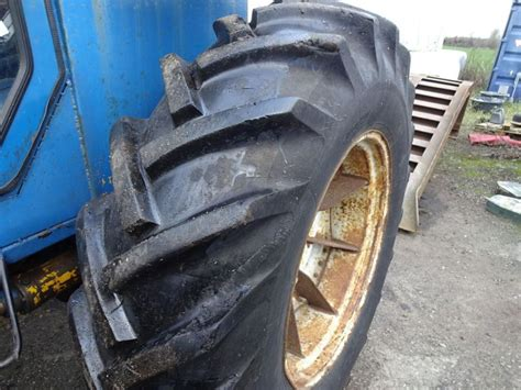 Ford County 944 4x4 / Tractor for sale