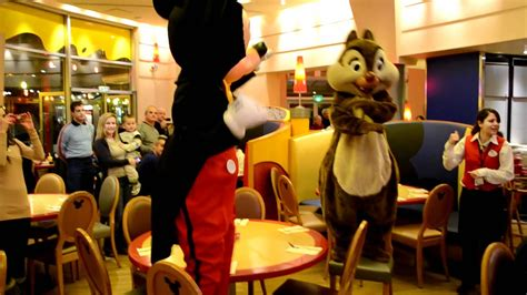 Mickey, Chip and Dale dancing the ASEREJE! - YouTube