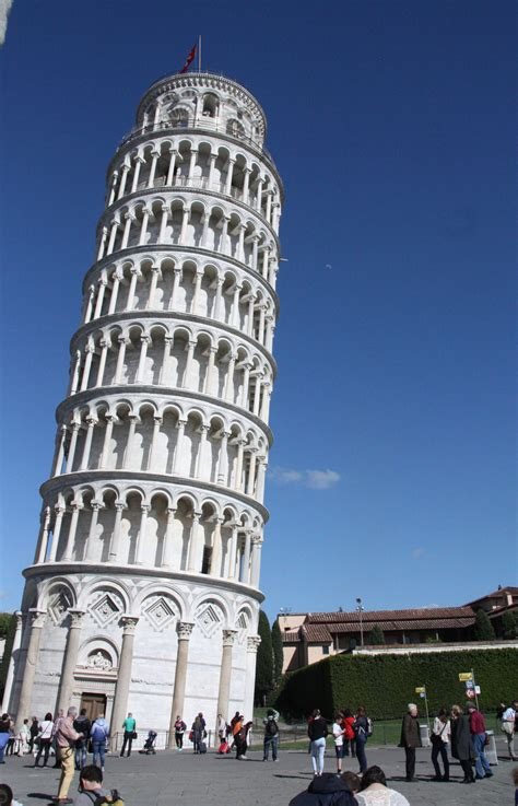 Leaning Tower of Pisa has withstood earthquakes for